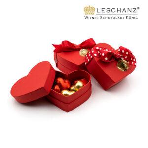 Valentinsherz, gefüllt mit kleinen Herzen